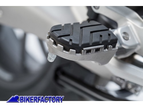 BikerFactory Pedane maggiorate regolabili ION SW Motech per BMW R 1200 R %28%2716 in poi%29 FRS.07.011.10601 S 1038223